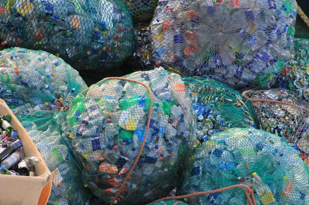 materiais unidos e prontos para reciclagem