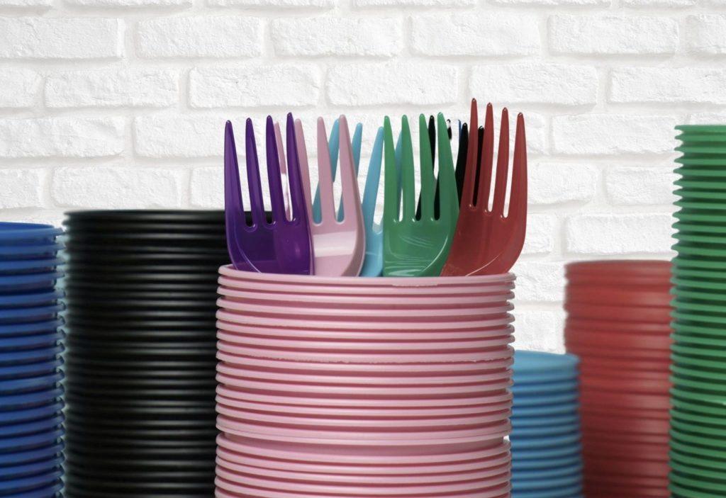 plásticos descartáveis