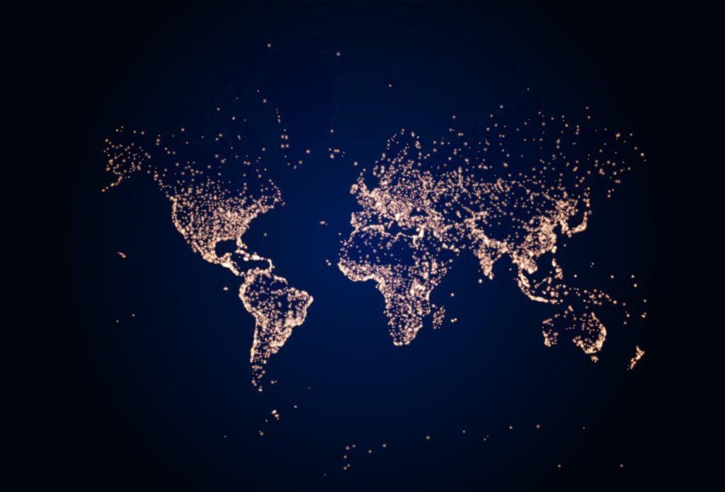 As luzes do planeta durante a noite marcam a presença humana na Terra. Essas luzes são parte da tecnosfera.